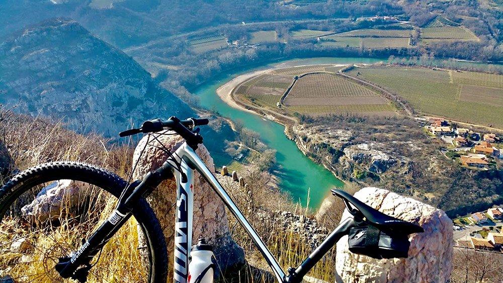 cicloturismo valdadige cantina Albino Armani